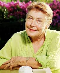 A now mature Helen Reddy