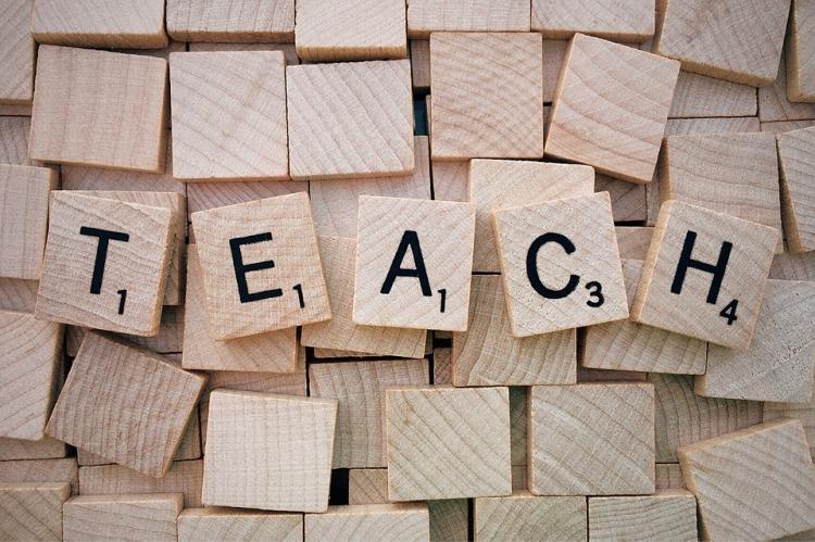 teach-1820041_960_720[1]